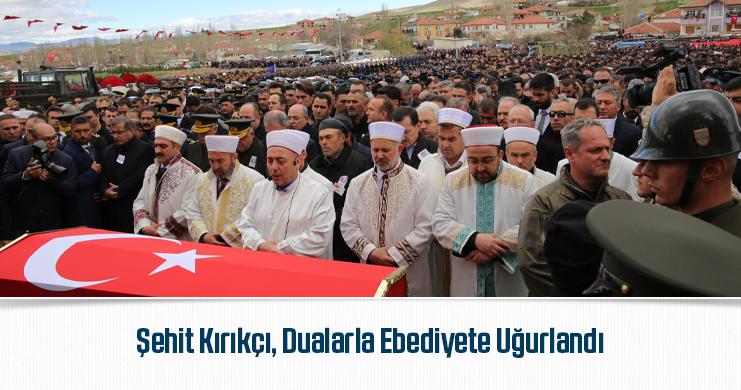 Memur-Sen Heyeti, Şehit Sözleşmeli Er Yener Kırıkçı'nın Cenaze Namazına Katıldı